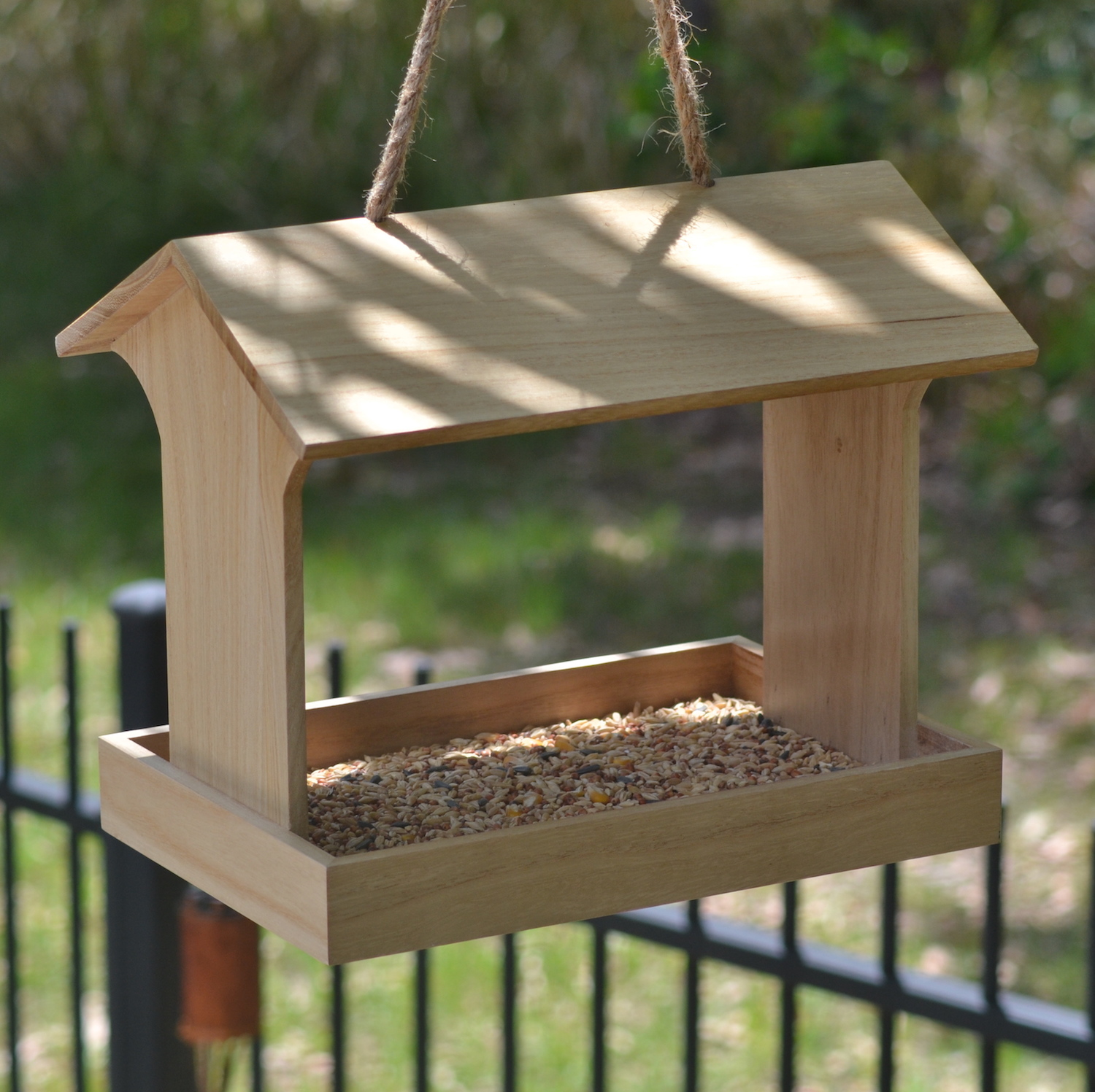 id introduction wooden bird large feeder